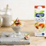 2 laktosefrie melkedrikker uten sukker: Usøtet mandelmelk og kokosdrikk