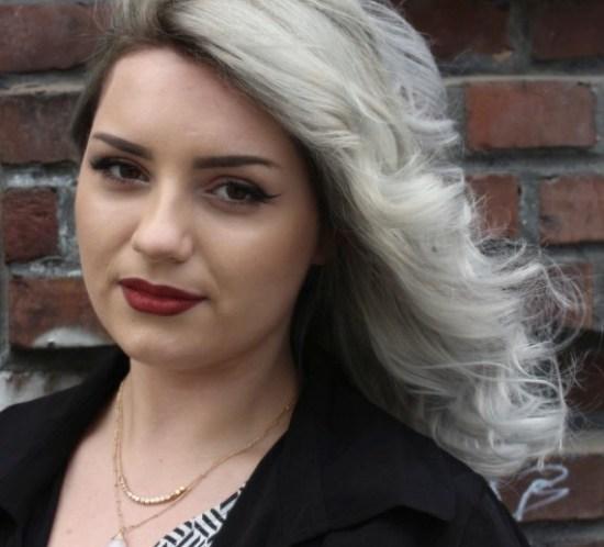 Vil du følge den nye trenden med grått hår? Her er oppskriften