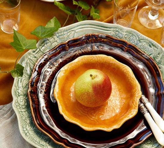 Borddekking av et orientalsk og frodig festbord