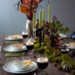 Frodig bord med naturmaterialer – vilt og vakkert!