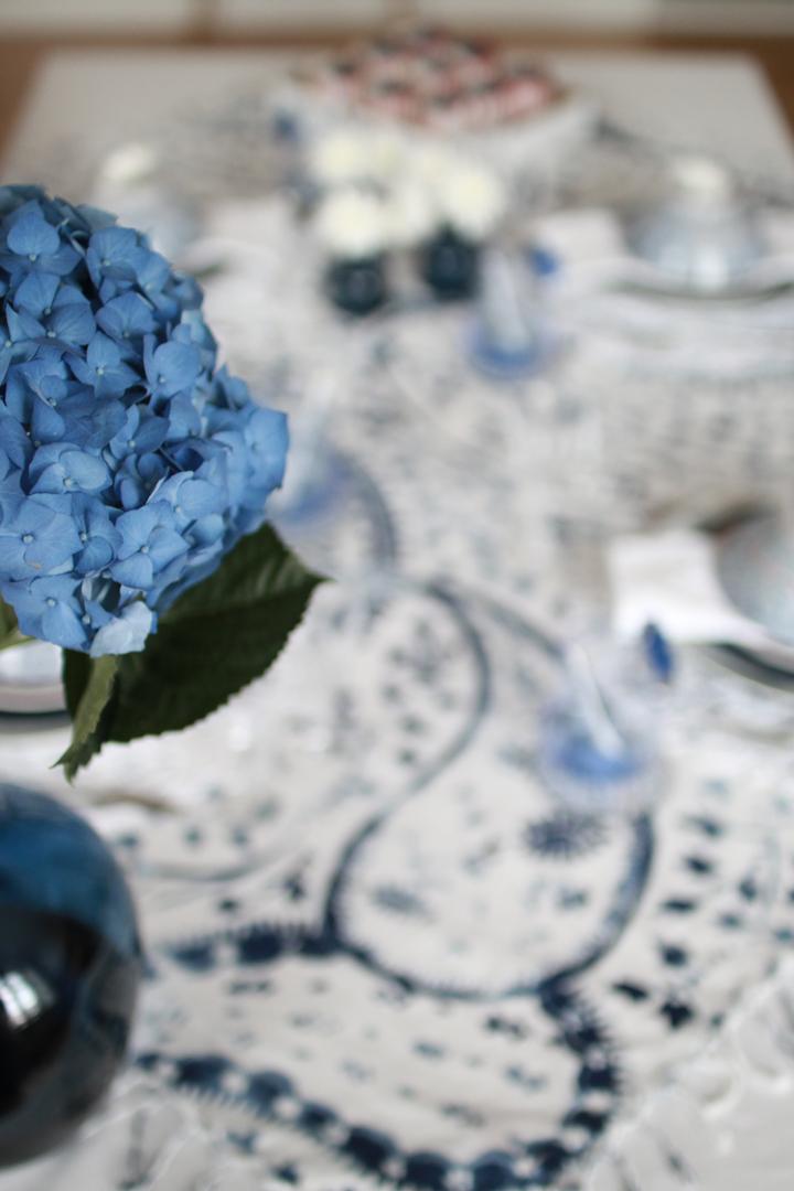 006 Pynting av klassisk bord til nasjonaldagen