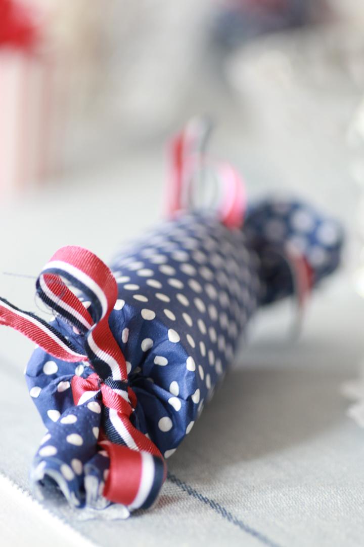 DIY Lag din egen smellbonbon av dorull og servietter