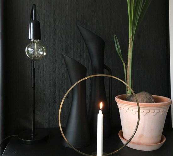 Moderne-i-sort-hjemme-hos-Kristin