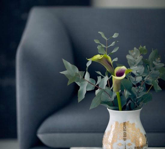 Bjørn Wiinblads nye vase Felicia i gull og hvitt