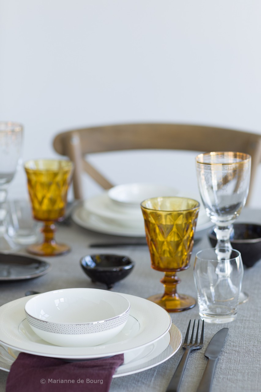 Five different table settings with the same dishes on the blog