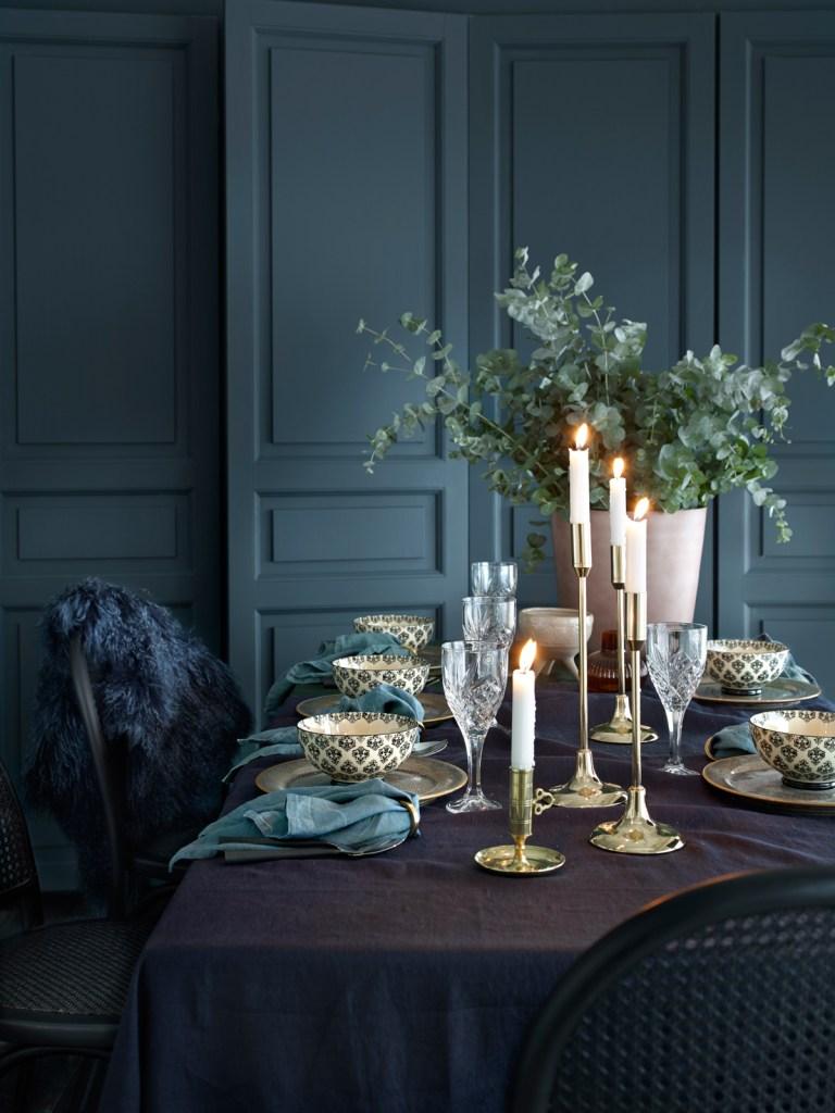 Julens borddekking i blått og grønt hos Ellos