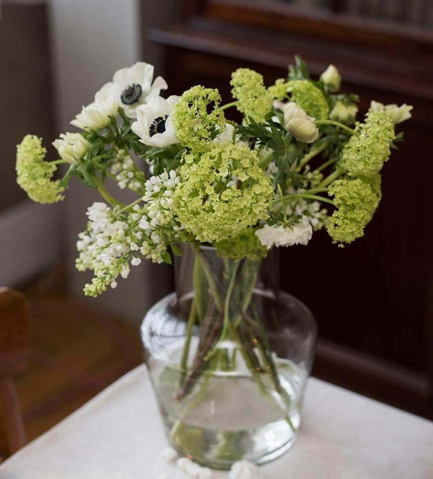 vase decor table decor flowers white green