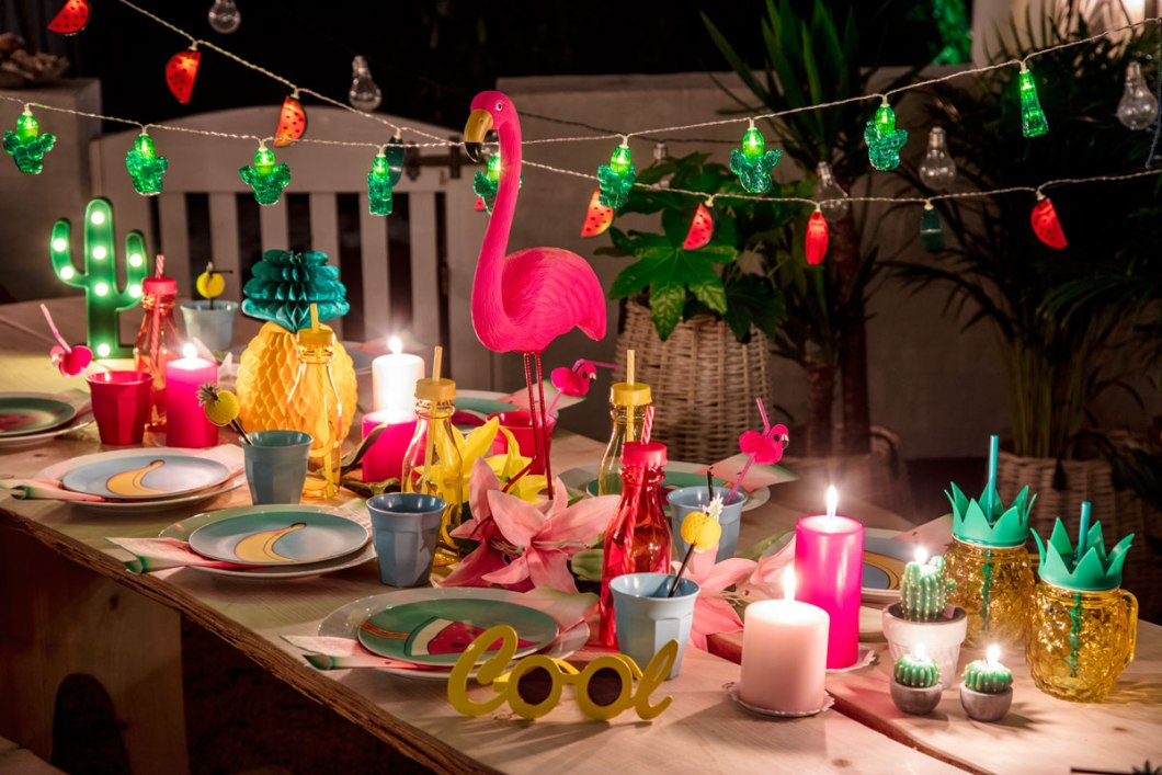 Tropical party decor