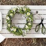 Midtsommer, biltur, blomsterkranser og fine sommerbord