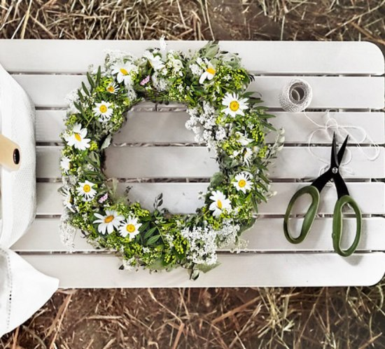 flower wreath for the hair or the table...