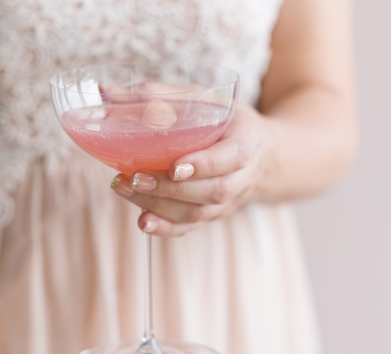 Non alcohol pink drink