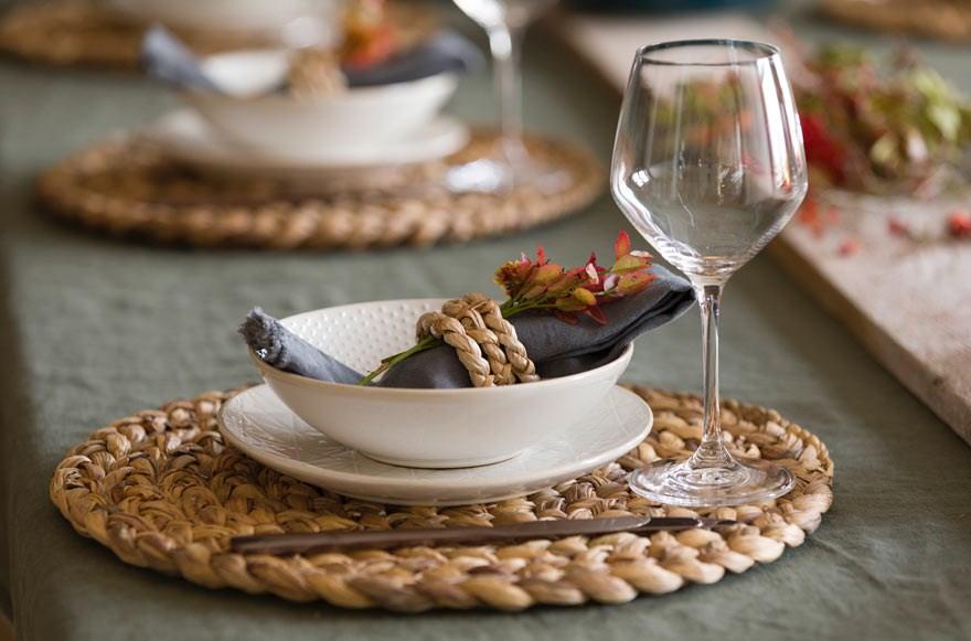 Her er mine tips til hvordan dekke et fint høstbord med blant annet blåbærlyng - fra bloggen mariannedebourg.no
