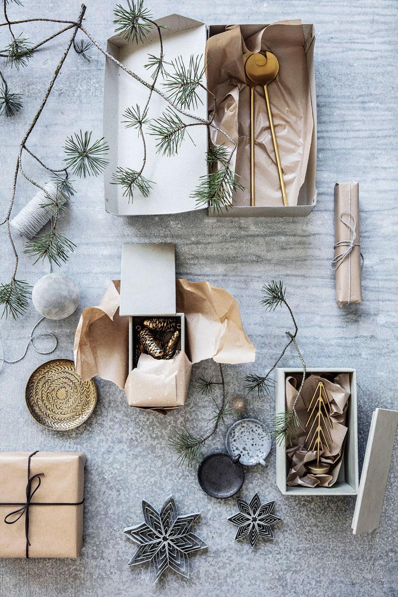 Julepynt som kan brukes på gaven - og i gaven.