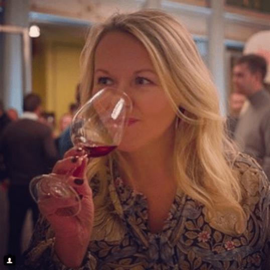 Marianne de Bourg blogger om borddekking , cocktails, mat og drikke i bloggen mariannedebourg.no