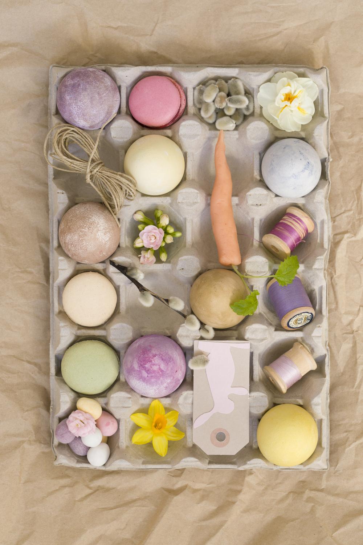 BORDDEKKING / DIY: Fargede egg med naturlige farger