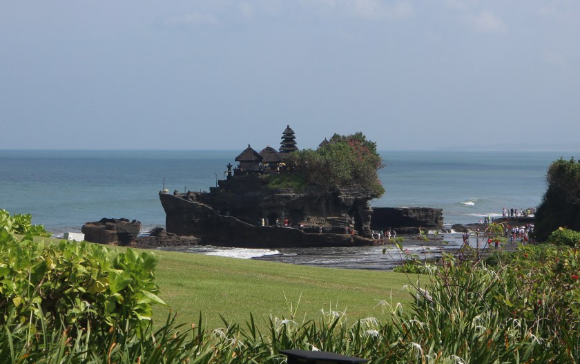A daytime view of the Tanah Lot temple.