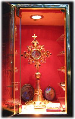 Le reliquie custodite nella Parrocchia di S Maria Regina Mundi