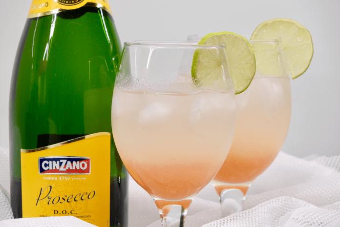 Rabarberdrink med gin och bubbel