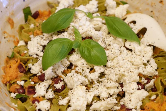Tomatsås med fetaost