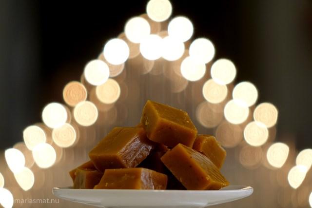 Brynt smörkola med saffran