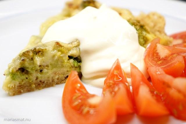 Broccolipaj med brieost