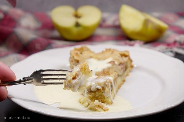 Äppelkaka med toscatopping