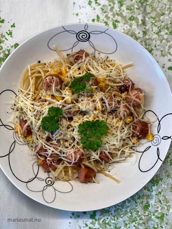 Snabb pasta med prinskorv