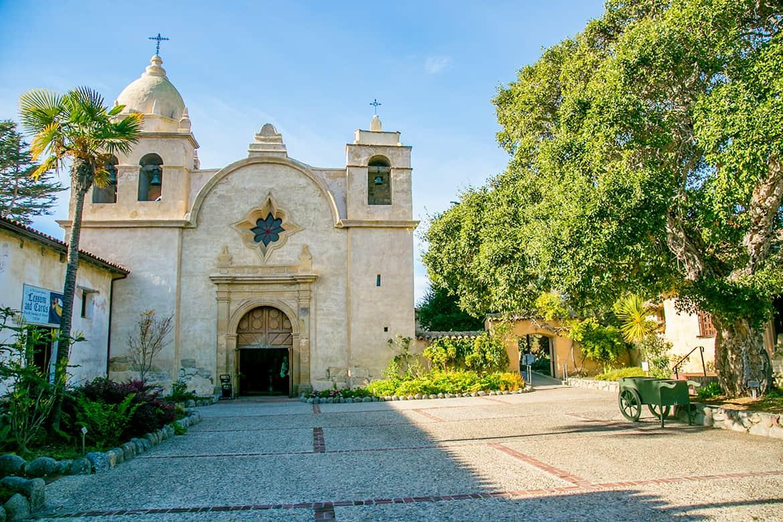 Misión San Carlos Borromeo de Carmelo en California