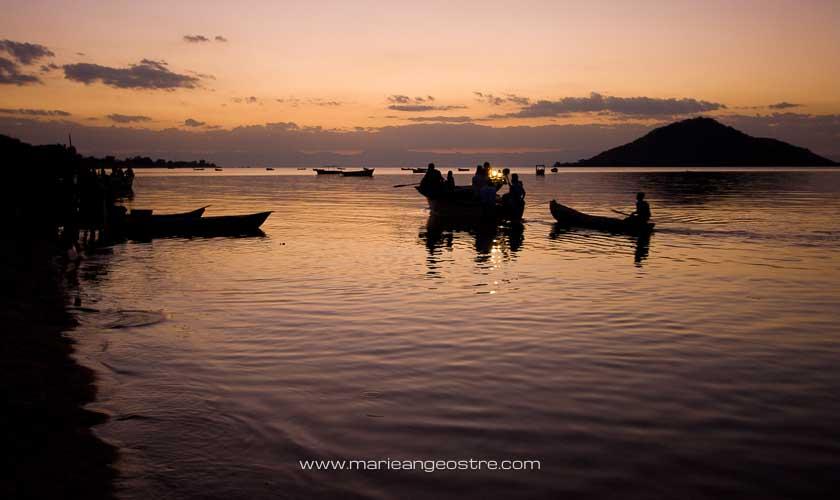 Coucher de soleil sur le lac Malawi ©-Marie-Ange Ostre