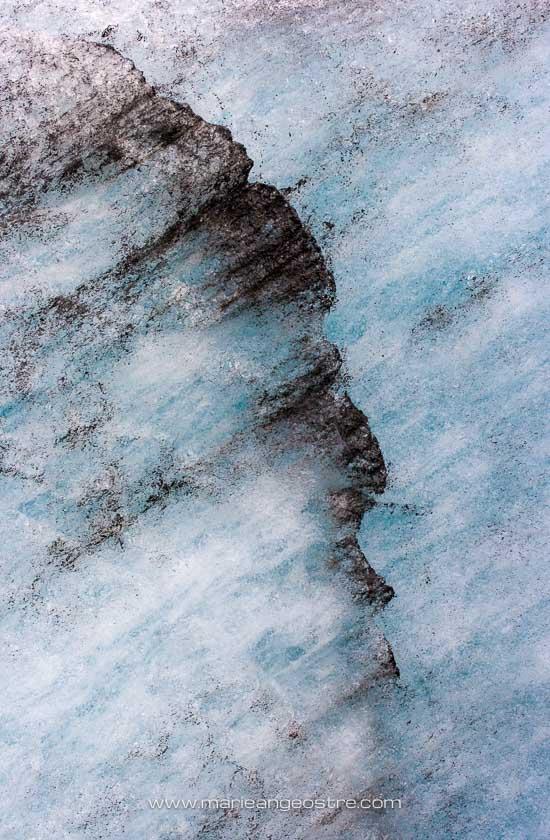 Islande, cendres du volcan Katla prises dans la glace Myrdalsjökull © Marie-Ange Ostré