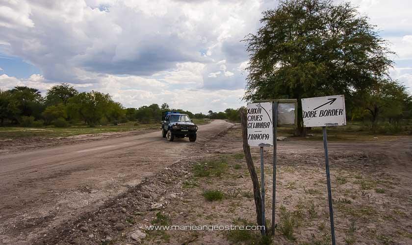 Botswana, route vers le poste frontière avec la Namibie © Marie-Ange Ostré