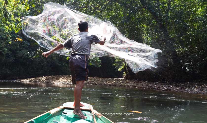 Malaisie, Borneo pêcheur Iban au Sarawak © Marie-Ange Ostré