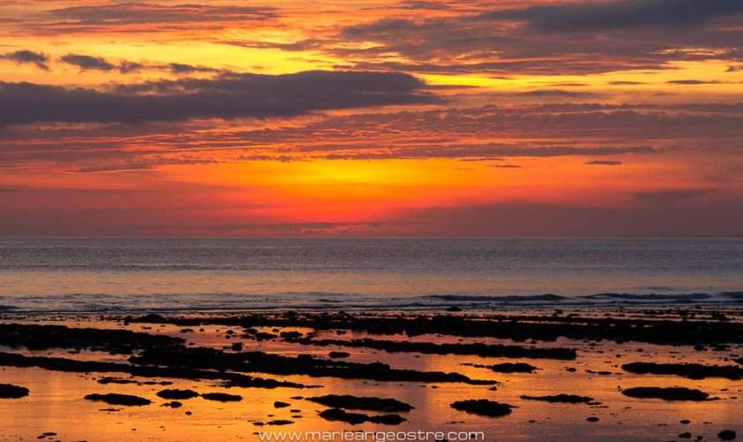 Indonesia, Sumbawa West coast at sunset (Indonésie, coucher de soleil sur l'île de Sumbawa) © Marie-Ange Ostré