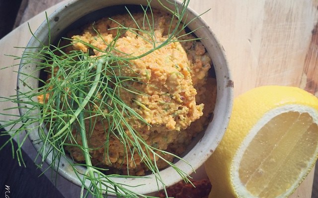 Raw Carrot Hummus