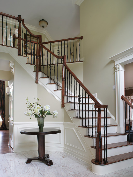 Dramatic Entry Way With Staircase (New York)