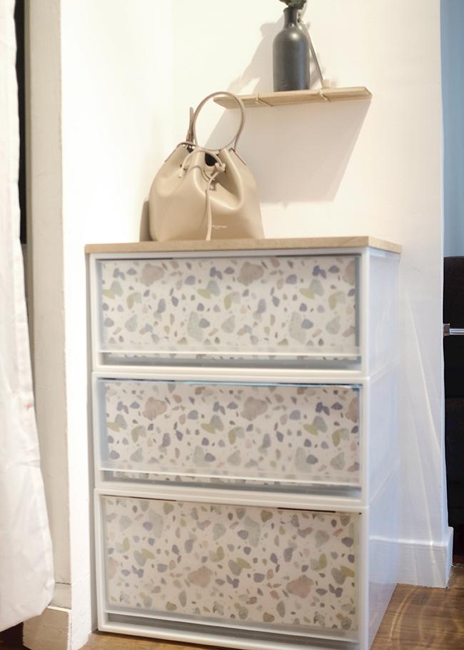 Relooker un meuble avec du papier  Marie Claire