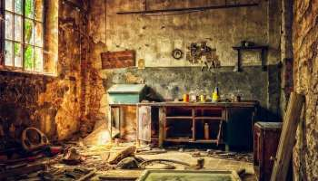Marie Cooper Actor's, crazy maker micro fiction image of a dishevelled workshop
