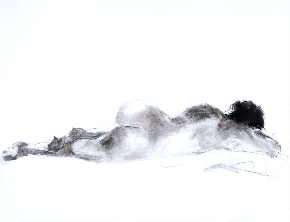 Tekening liggende vrouw, houtskool