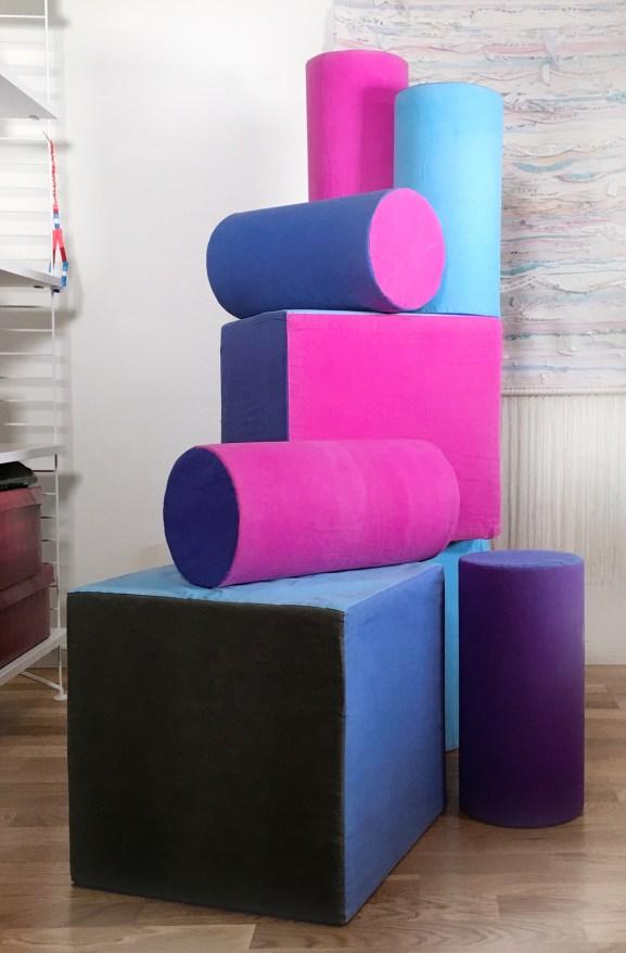 Make-A-Mark-pillows_thermochromic-heatsensitive-textile-print-by-Marie-Ledendal_web