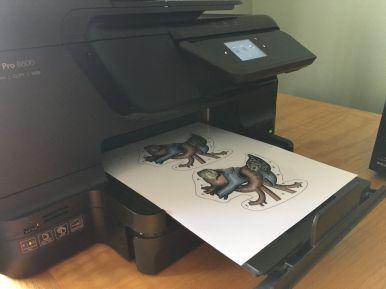 Inkjet printing heart illustrations on clear glossy vinyl