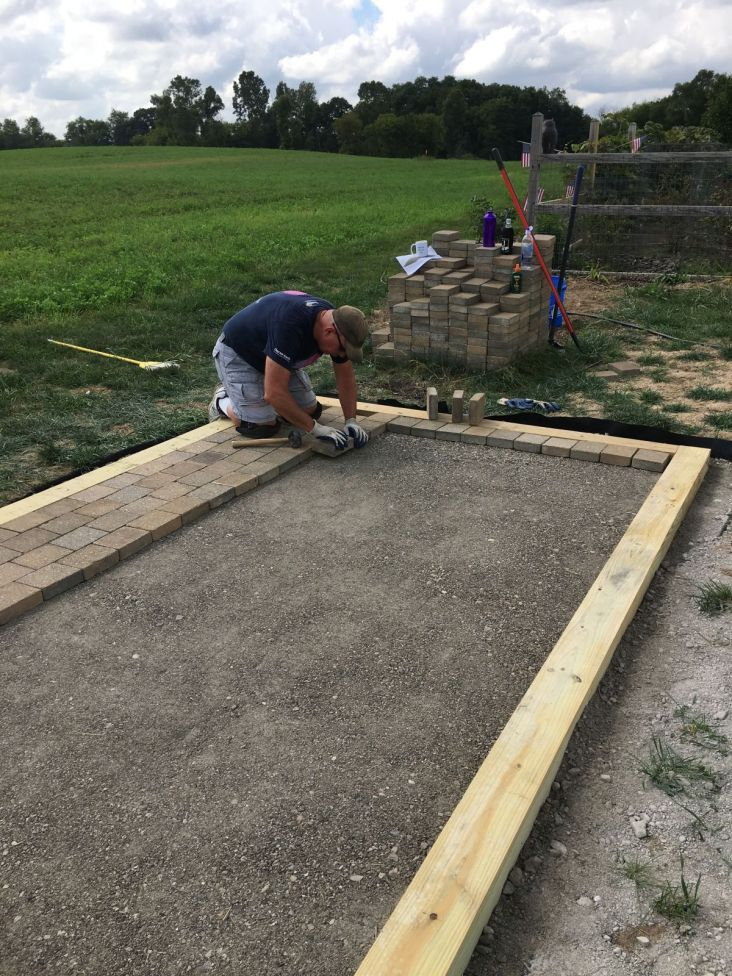 "Setting Pavers in Running Bond Pattern with 1/8"" Gap"
