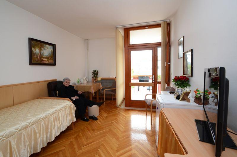 dom-marija-petkovic-blato-interijer-04