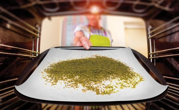 How to Decarboxylate Weed Using Oven & Baking Sheet