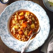 How to make Traditional Greek Bean Soup (fasolada)_image