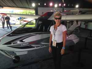Marilyn visits Sun & Fun Fly-in to review Icon A-5 for an article