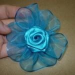 Como hacer una Flor en cinta organza para el pelo