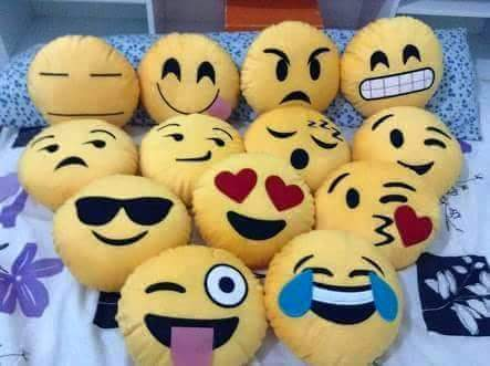 Moldes de cojines con cara emoticones - Marina Creativa