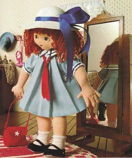 muñeca colegiala de tela