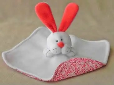 diy-manta-de-apego-conejo