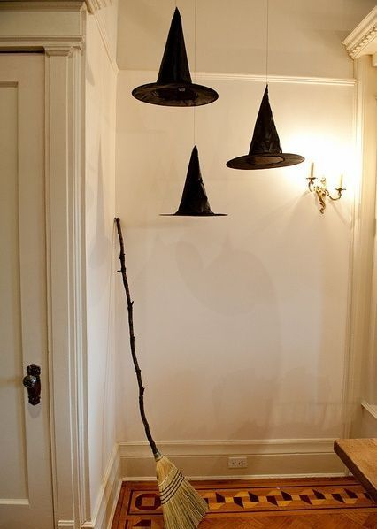 halloween-decoration-brujas